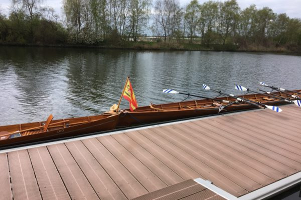 Traditionelle Karfreitag-Rudertour in Lübeck